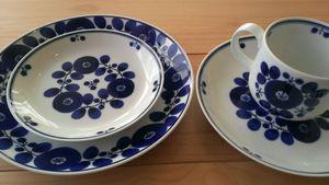白山陶器 瑠璃色のブーケ&リース