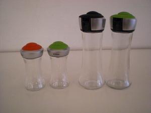 ソルト&ペッパーボトル(左) オイル&ビネガーボトル(右)