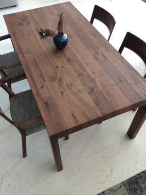 テーブル/ サイドチェア/アームチェア
