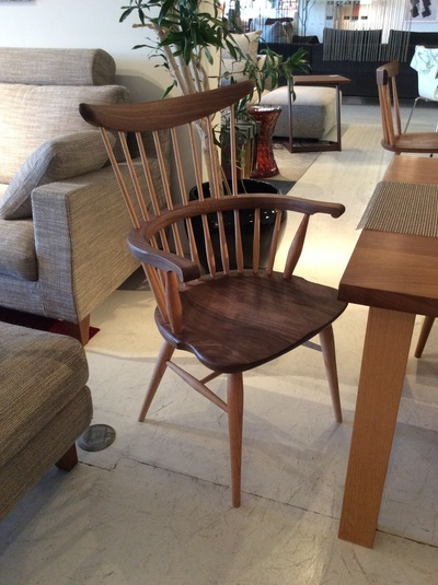 W553 comb back armchair