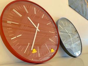 Draw wall clock レッド/グレー